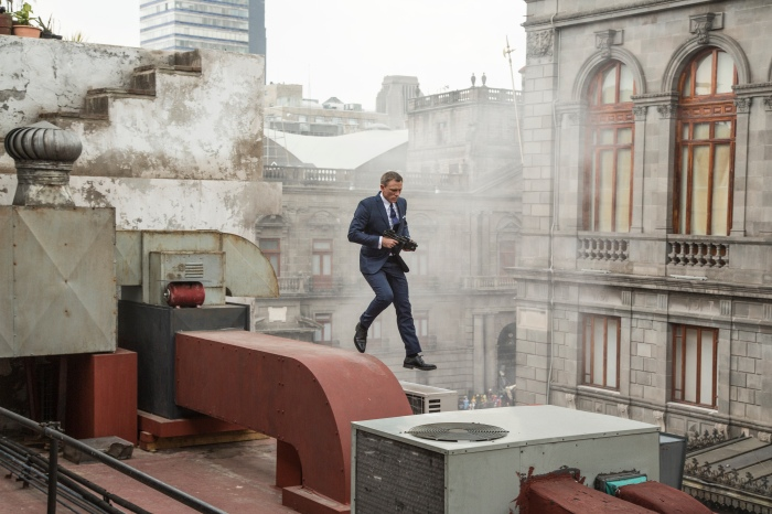 Bond (Daniel Craig) runs along the rooftops in pursuit of Sciarra in Mexico City in Metro-Goldwyn-Mayer Pictures/Columbia Pictures/EON Productions' action adventure SPECTRE. Credit Jonathan Olley. © 2015 Metro-Goldwyn-Mayer Studios Inc., Danjaq, LLC and Columbia Pictures Industries, Inc. SPECTRE, 007 and related James Bond Trademarks © 1962-2015 Danjaq, LLC and United Artists Corporation. SPECTRE, 007 and related James Bond Trademarks are trademarks of Danjaq, LLC. All rights reserved.